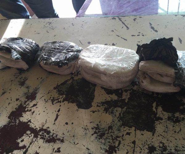 جمارك بورسعيد تضبط تهريب مخدر الحشيش و ملابس