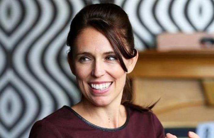 النتائج الأولية للانتخابات العامة في نيوزيلندا تشير إلى تقدم حزب رئيسة الوزراء جاسيندا أردرن