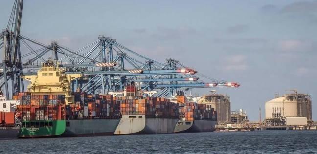 ميناء دمياط يستقبل 16 سفينة حاويات وبضائع عامة