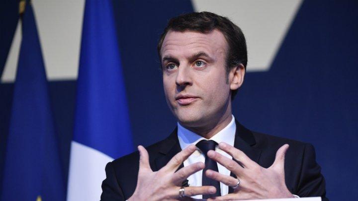 الرئيس الفرنسي يدافع عن زيادة الضرائب على الوقود ويدعو إلى الحوار