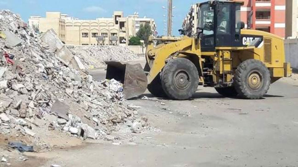 حملة موسعة لإزالة التعديات علي النيل بنجع حمادي