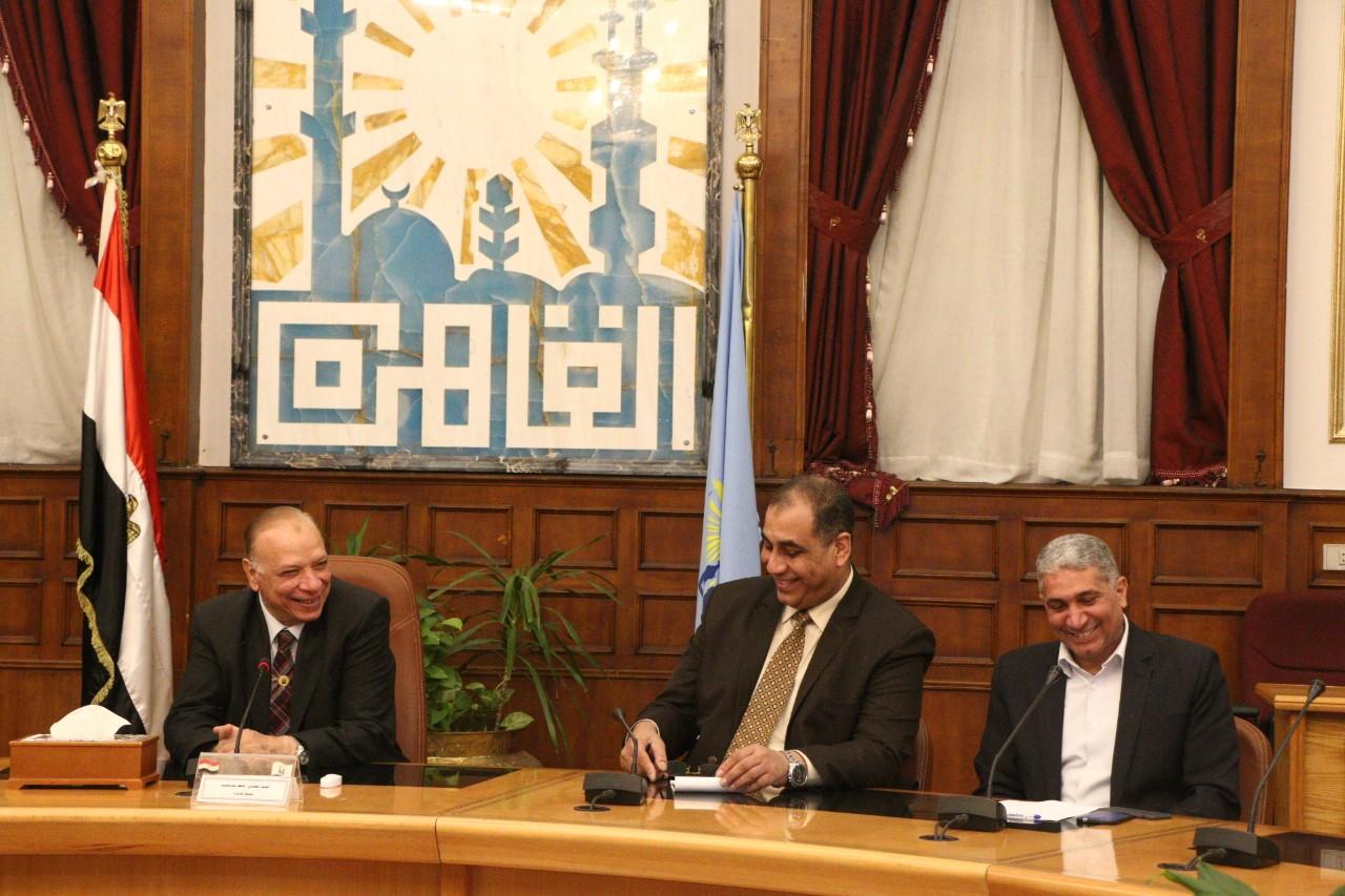 محافظ القاهرة يلتقي أعضاء اتحاد شاغلي منطقة البورصة