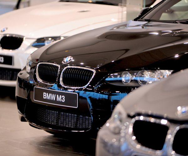 """امريكا تهدد """" السيارات الأوروبية"""" بـ 20%"""