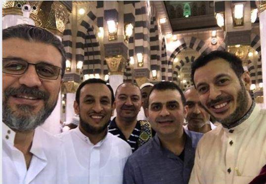 عمرو الليثى و مصطفى شعبان و رمضان عبد المعز بالمسجد النبوى