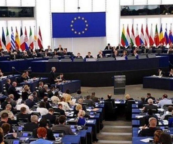 الاتحاد الأوروبي يفرض عقوبات على شركات روسية بسبب جسر القرم