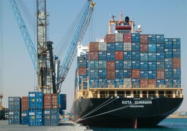 54 سفينة تعبر قناة السويس بحمولات 2.9 مليون طن
