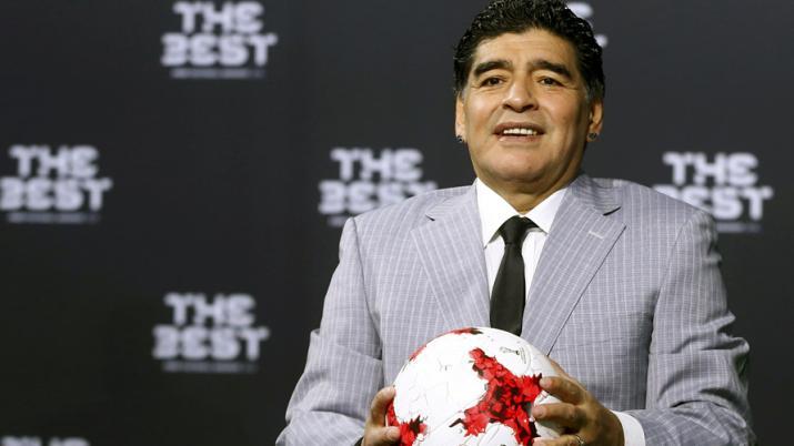 مارادونا ينصح ميسي بترك المنتخب الأرجنتيني