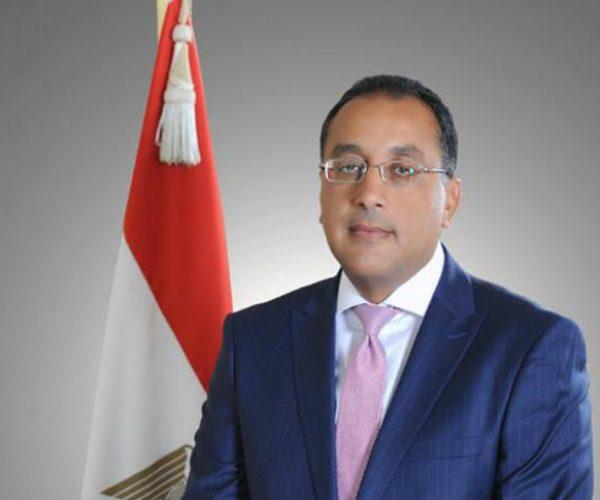 مدبولى يبحث الإجراءات الخاصة بصندوق مصر السيادي