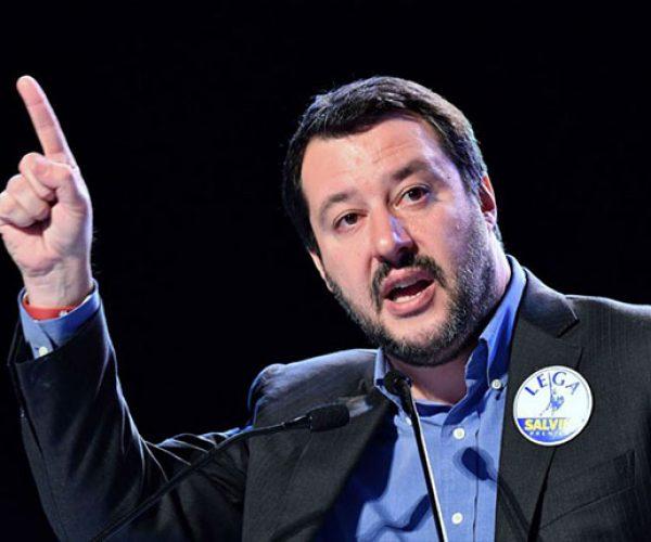 سالفيني : إيطاليا ستبدأ على الفور فى ترحيل 57 مهاجرا تونسيا