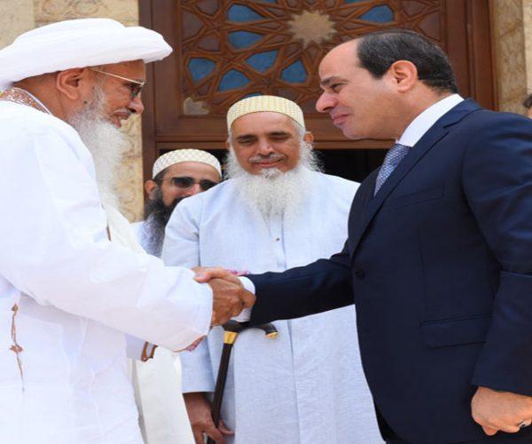 الرئيس يستقبل سلطان البهرة.. ويشيد بجهودهم في ترميم المساجد الأثرية