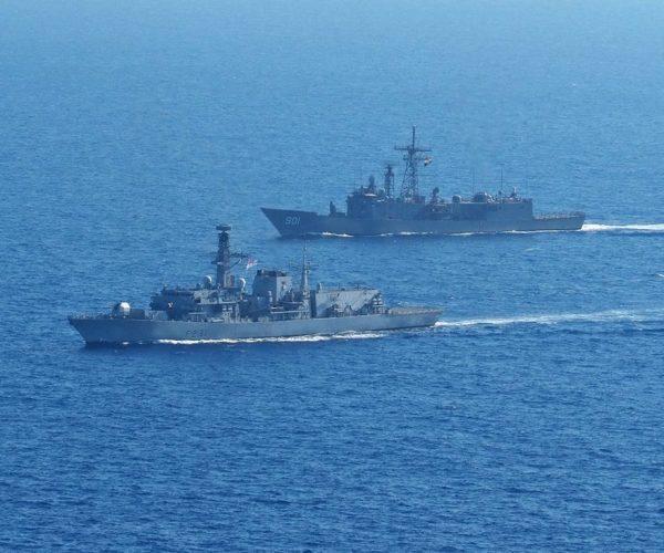 مصر وبريطانيا تنفذان « تدريب بحرى مشترك » بـ البحر الأبيض المتوسط