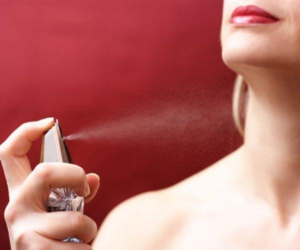 كيف تحافظين على رائحة عطرك مدة طويلة