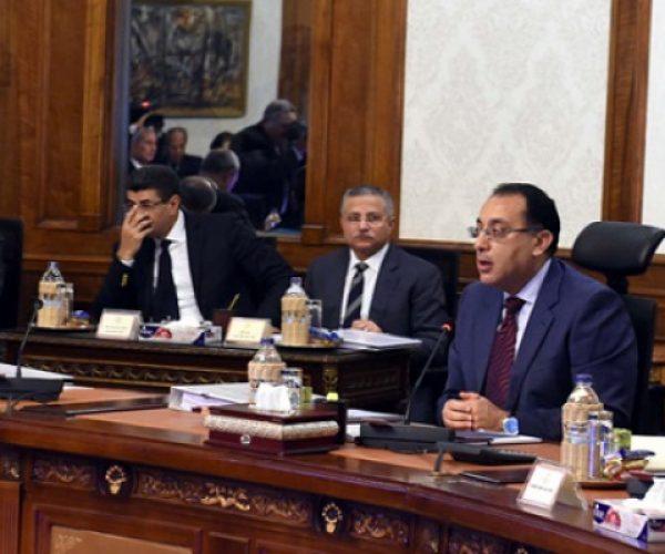 مدبولي يلتقي القيادات التنفيذية ببورسعيد ويستمع لمطالب نواب البرلمان