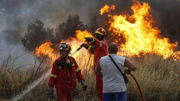 اليونان: امتداد حرائق الغابات إلى العاصمة وجزيرة زاكينثوس