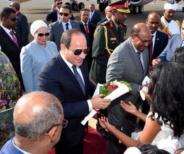 نص كلمة السيسي بالمؤتمر الصحفي مع الرئيس السوداني بالخرطوم