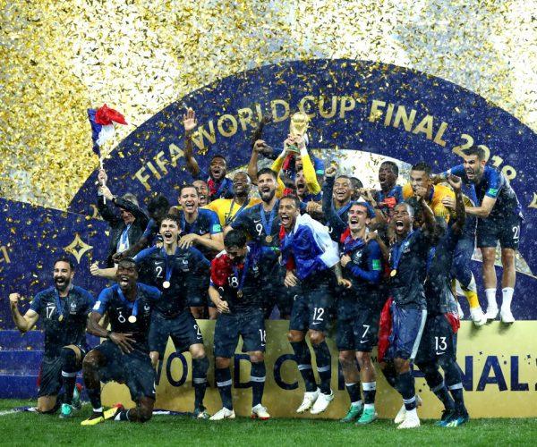 """منتخب """"الديوك"""" يتوجه إلى """"الشانزليزيه"""" للاحتفال بالتتويج بكأس العالم"""