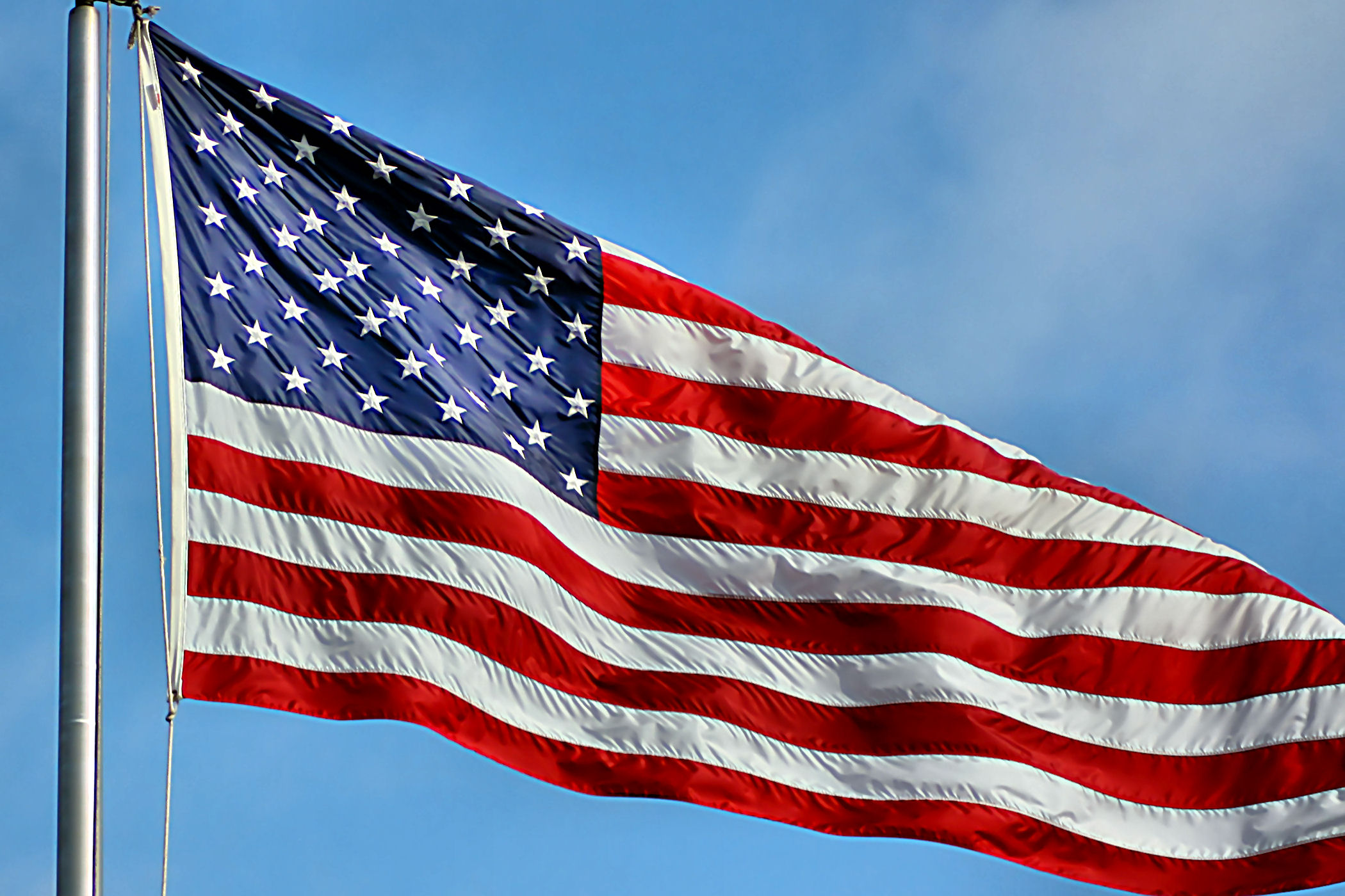 وزارة التجارة الأمريكية : مبيعات التجزئة تتراجع قياسيا تأثرا بكورونا