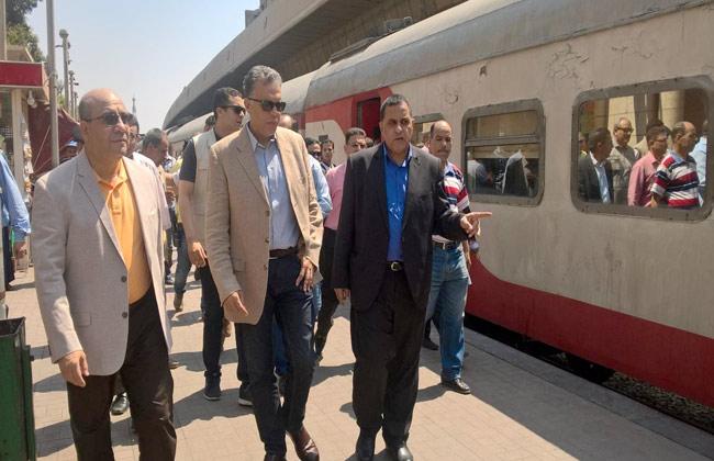 عرفات: نقل 6 ملايين راكب عبر السكك الحديدية خلال 5 أيام