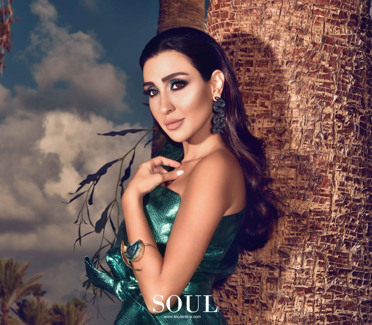 صور  جيسي عبدو باطلالة جريئة على غلاف مجلة SOUL العالمية
