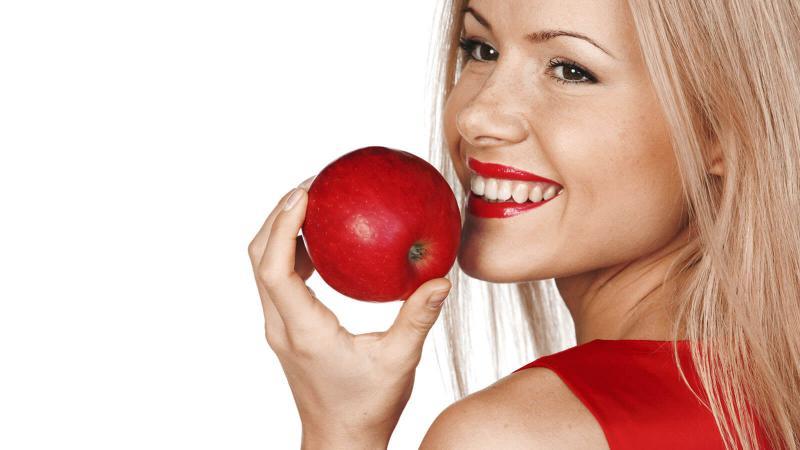 خل التفاح يعلاج البقع السوداء