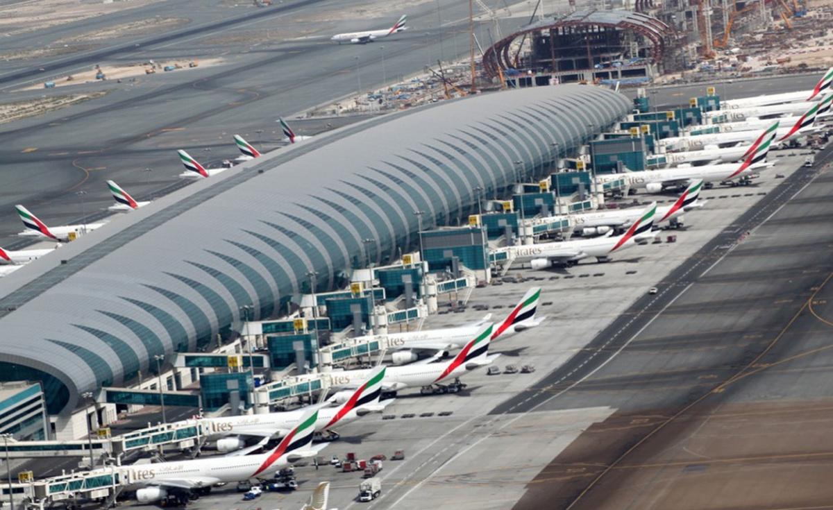 الإمارات تنفي ما تداولته وسائل الإعلام الحوثية بخصوص مطار دبي