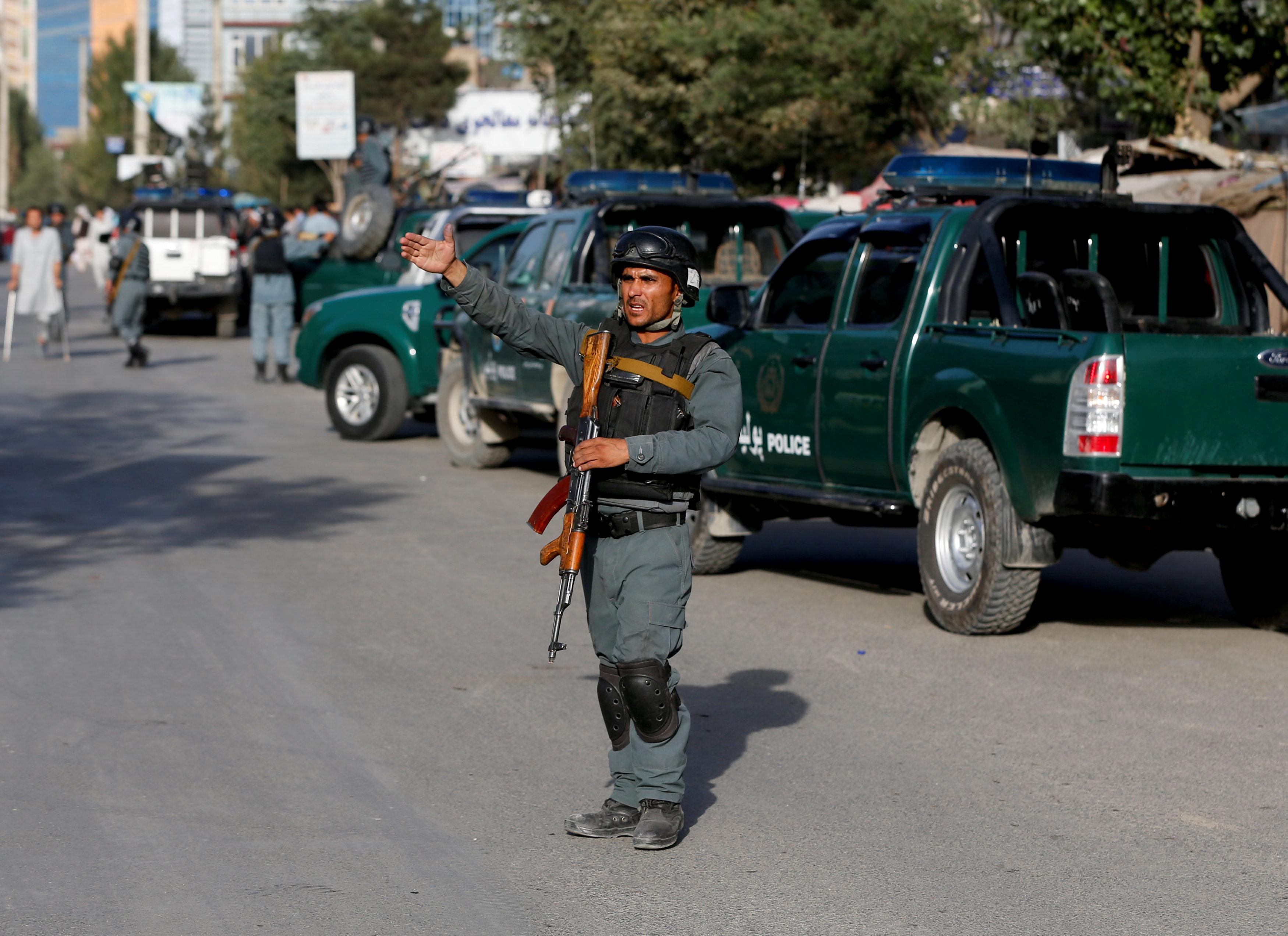 مقتل 3 من رجال الشرطة في انفجار بإقليم هلماند جنوبي أفغانستان