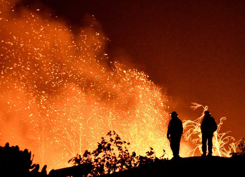ارتفاع ضحايا حرائق كاليفورنيا إلى 63 قتيلا