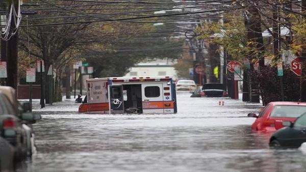 حاكم نيويورك يعلن الطواريء جراء السيول والفيضانات العارمة