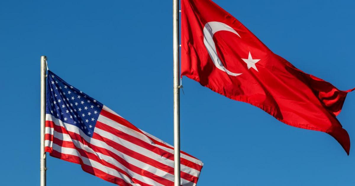 تركيا تطمئن المستثمرين وواشنطن تتوعدها وسط ازمة دبلوماسية بين البلدين