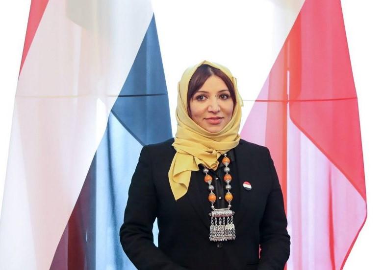 دبلوماسية يمنية تبحث مع منظمات بولندية المساعدات الإنسانية لبلادها