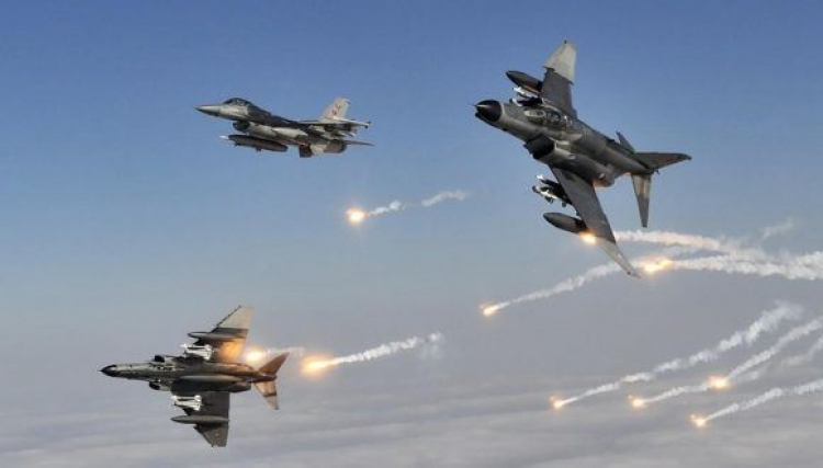 الجيش الأمريكى يعلن شن غارة جوية استهدفت قيادات فى تنظيم القاعدة قرب إدلب