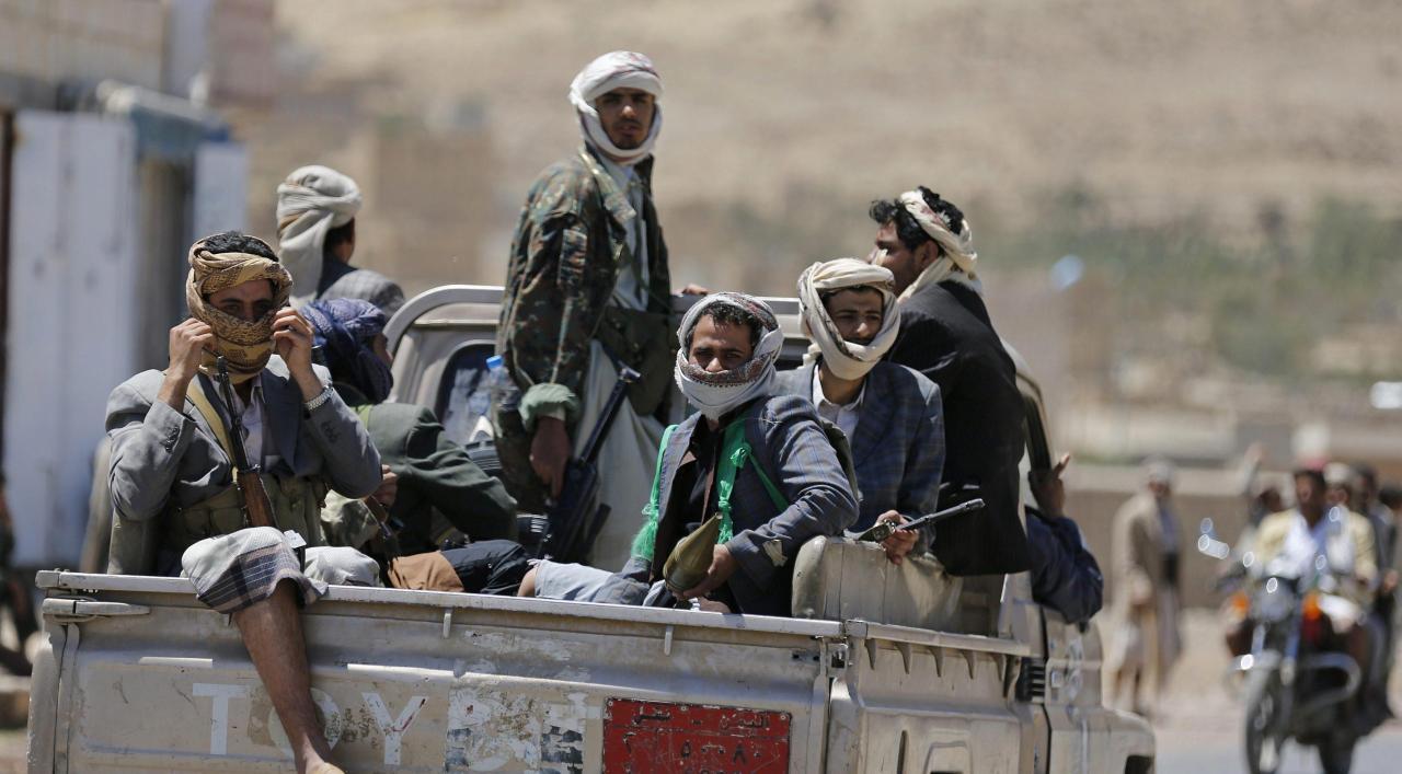 مصرع عناصر حوثية أثناء محاولتهم زراعة عبوة ناسفة غربى اليمن