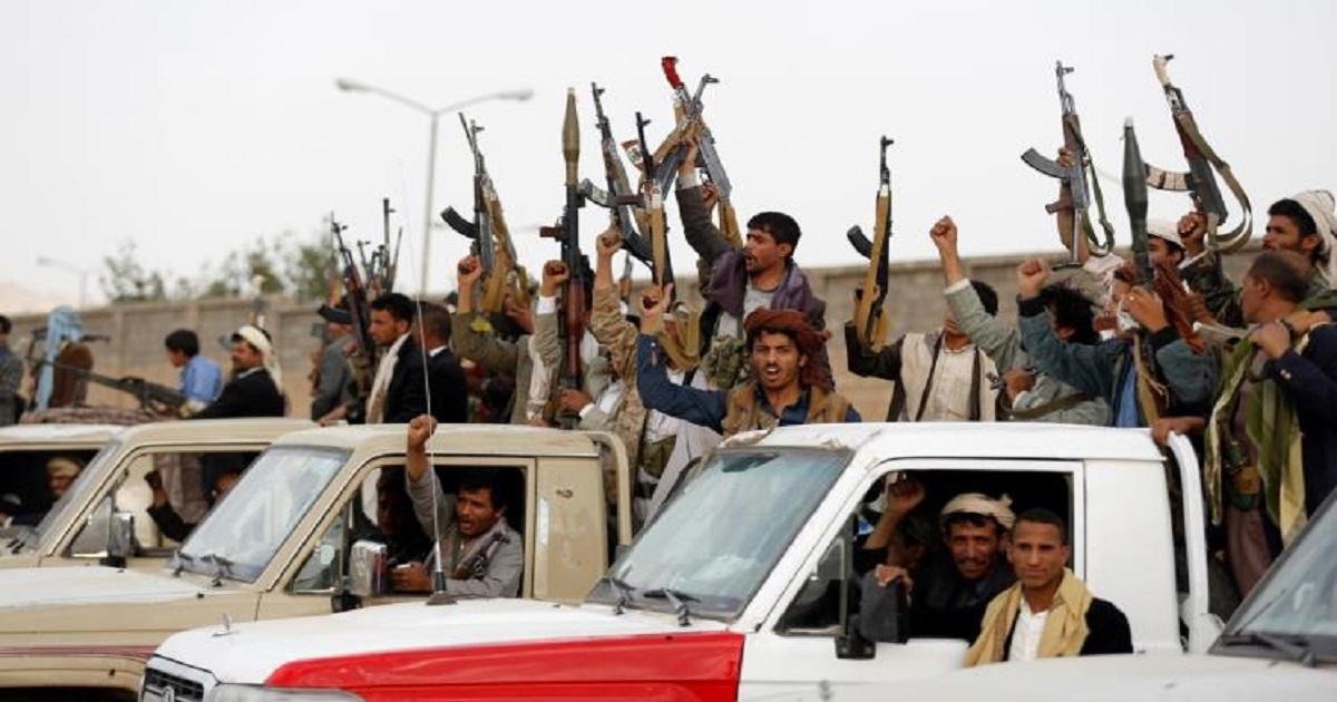 ميليشيا الحوثى تصادر مساعدات إنسانية مخصصة للنازحين اليمنيين