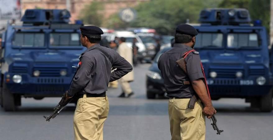 مقتل وإصابة 4 من الشرطة الباكستانية في انفجار شمال غربي البلاد