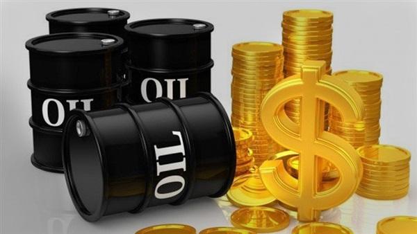 أسعار النفط تغلق على ارتفاع طفيف