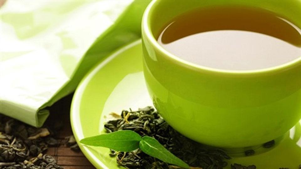 """""""ديلي ميل"""": الشاي الأخضر يعالج السرطان"""