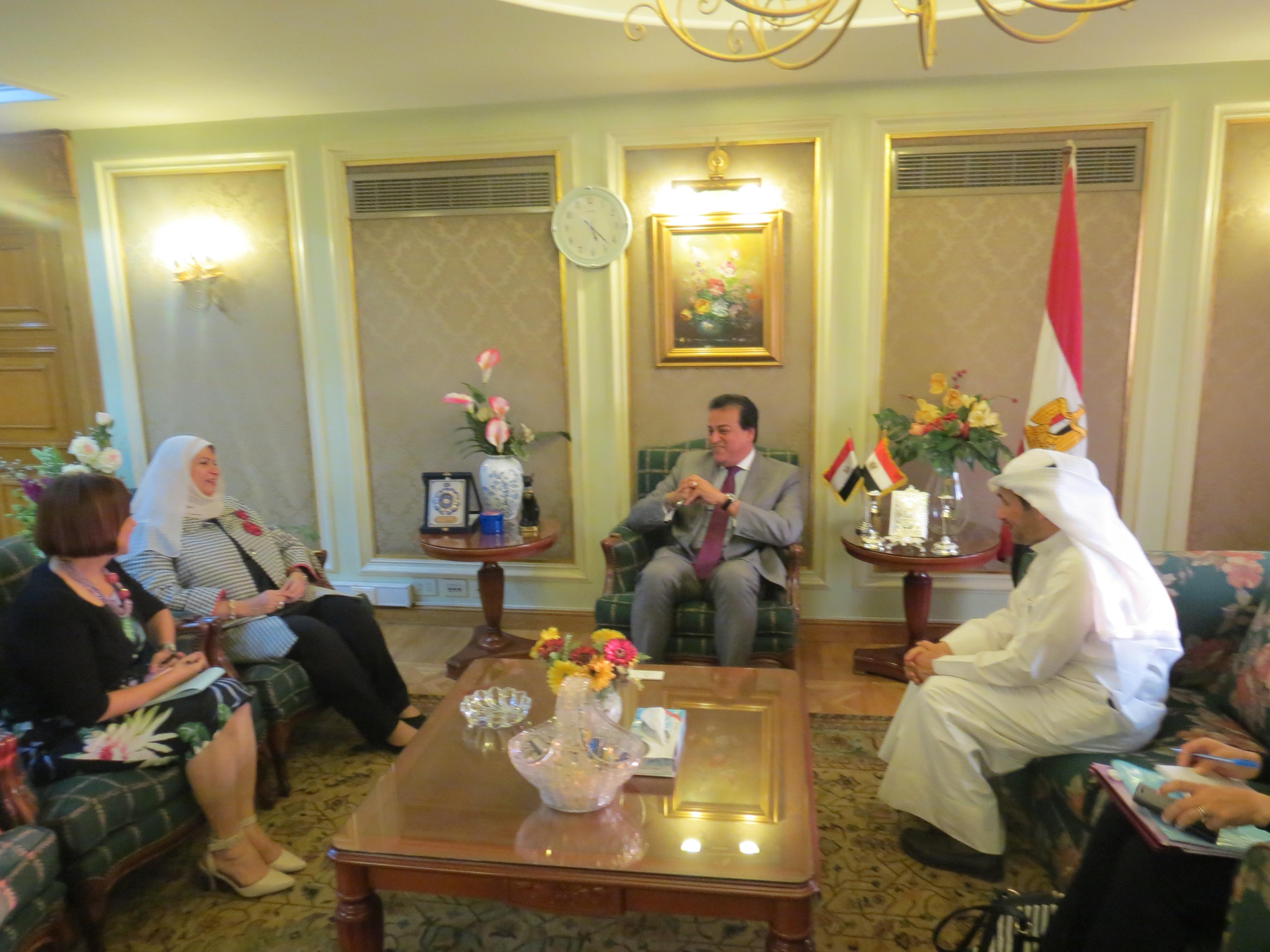 وزير التعليم العالي يبحث زيادة أعداد الطلاب الكويتيين فى مصر