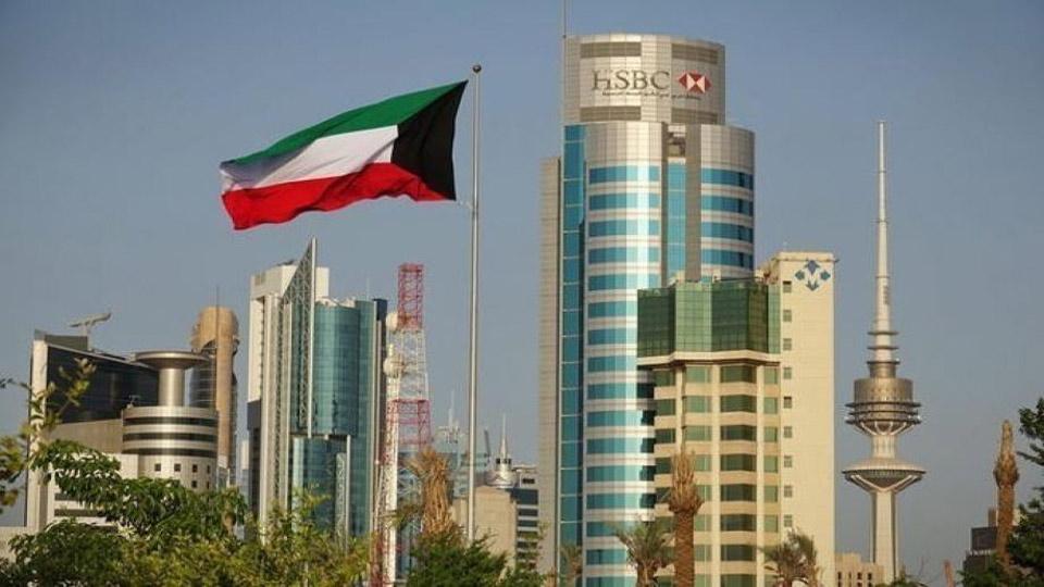 الكويت تقرر مد فترة زيارة الزوجة والأبناء للوافد لـ3 أشهر
