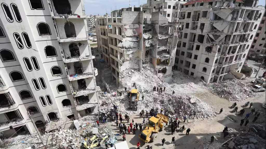 سكان إدلب يحفرون ملاجىء تحت الارض استعدادا لهجوم محتمل