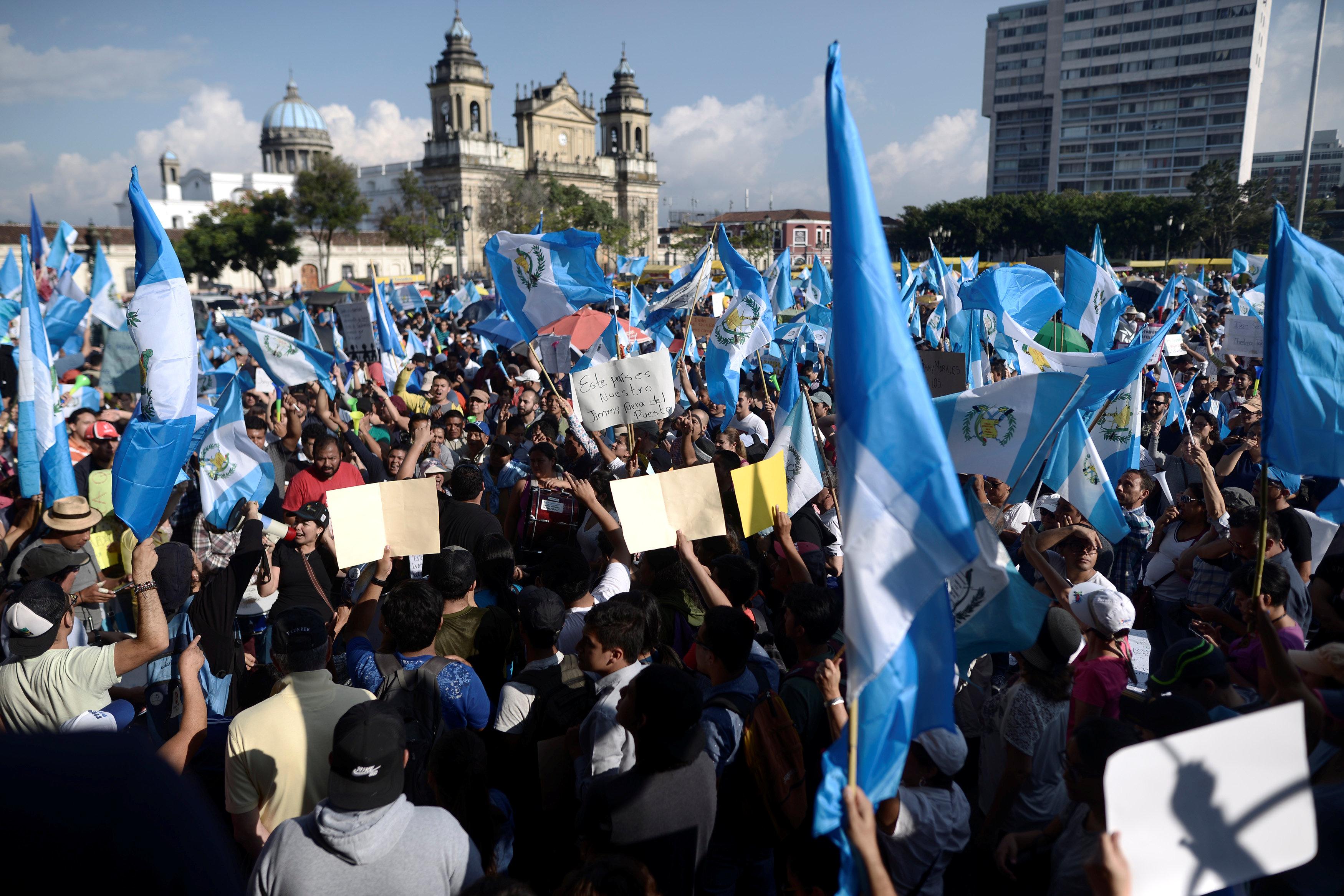 احتجاجات فى جواتيمالا لرفض إنهاء عمل اللجنة الأممية لمكافحة الفساد