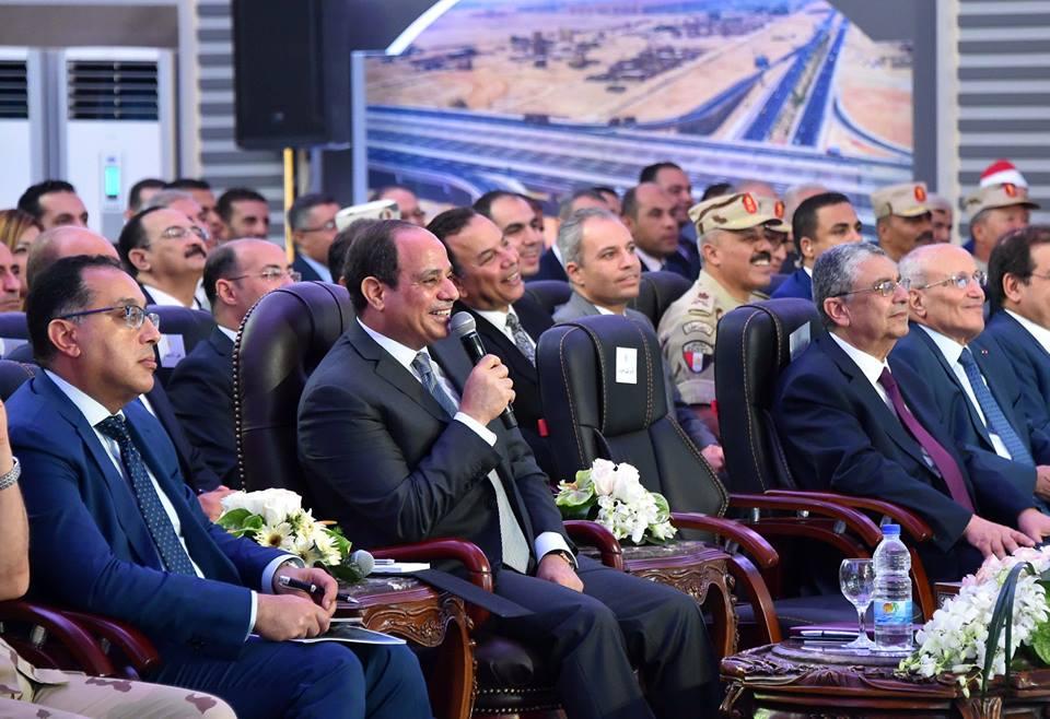 صور | تفاصيل افتتاح الرئيس السيسي لمحاور النيل والطرق والكباري