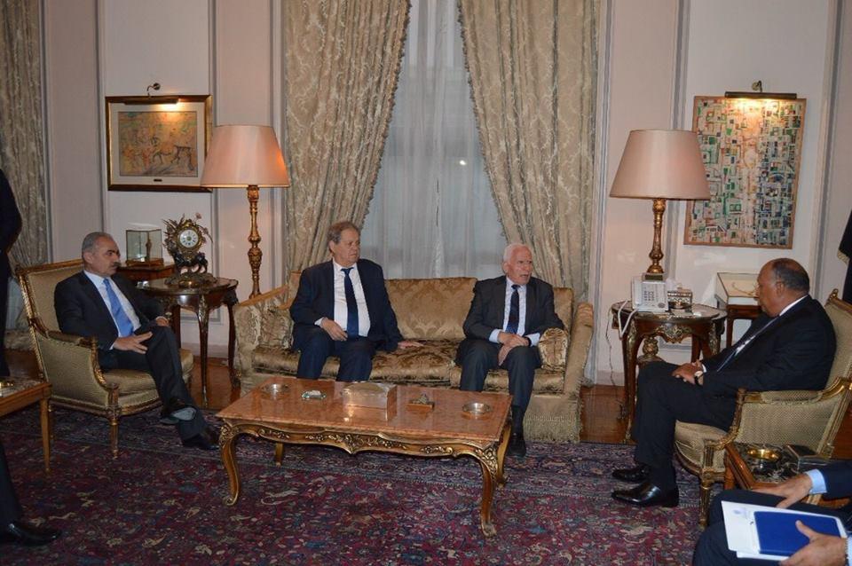 صور   وزير الخارجية : ملتزمون بدعم كافة حقوق الشعب الفلسطيني التاريخية
