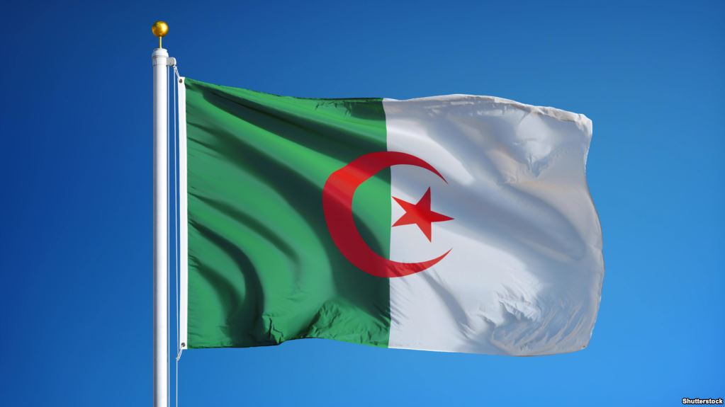 الجزائر تعرب عن ترحيبها باتفاق وقف إطلاق النار الشامل فى ليبيا