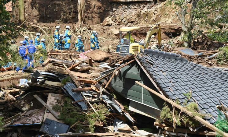 زلزال قوي يضرب اليابان ويتسبب في انهيار مبانى بهوكايدو