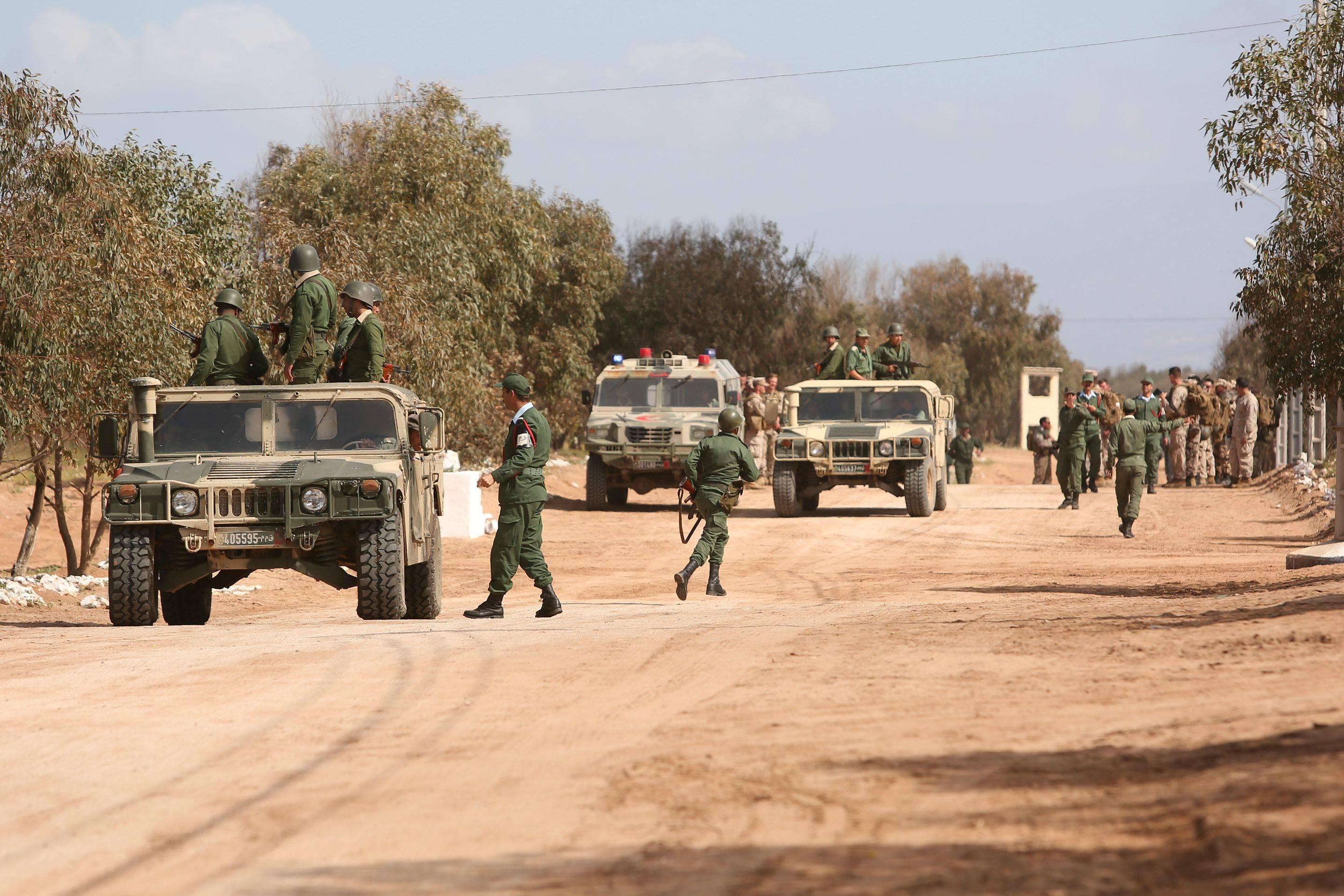الجيش الموريتانى يعتقل عصابة مهربين على الحدود مع الجزائر ومالى