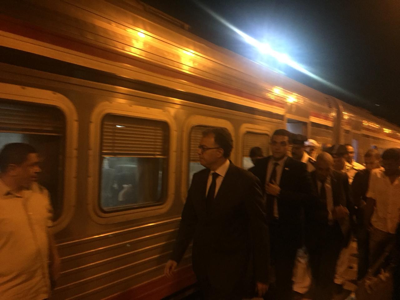 صور | وزير النقل يتفقد استعدادات محطة سكك حديد الجيزة للعام الدراسي