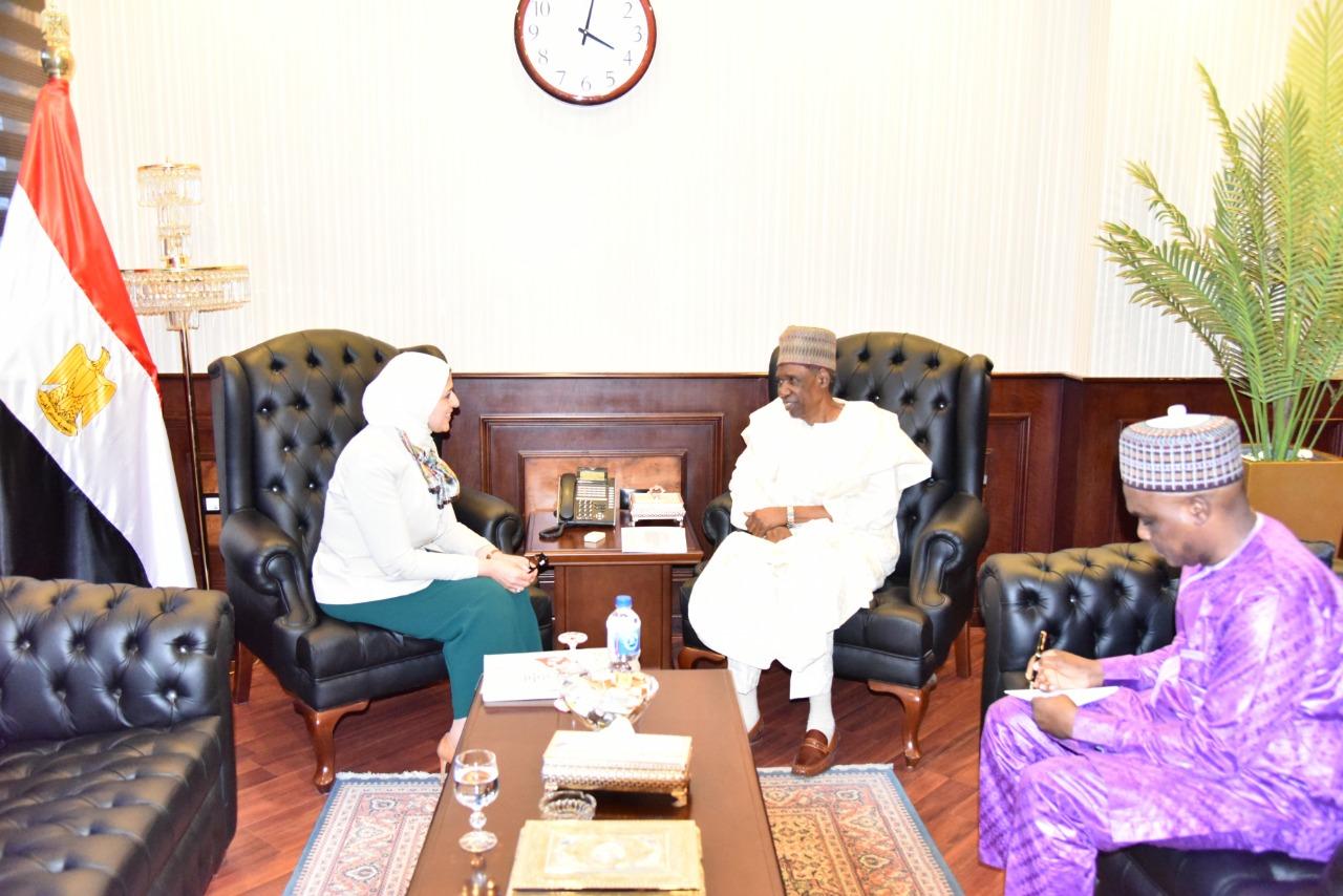 صور   وزيرة الصحة تبحث مع سفير نيجيريا تعزيز التعاون الصحي