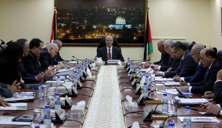 الحكومة الفلسطينية تحذر من خطورة إجراءات الاحتلال وحصاره للمسجد الأقصى