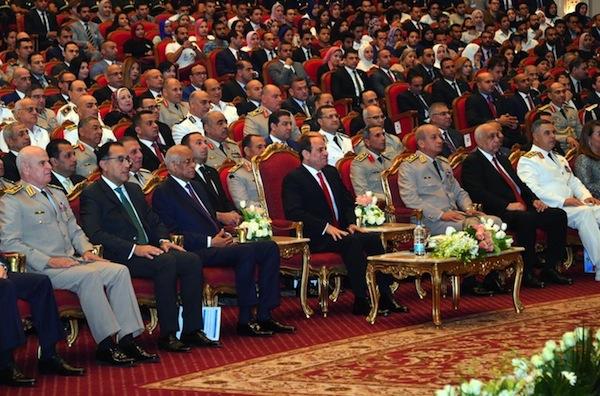 صور   الرئيس السيسي يشهد حفلا فنيا بمناسبة الذكرى 45 لنصر أكتوبر المجيد
