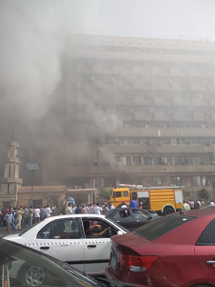 إصابة 8 موظفين بحريق كهربة الريف بالعباسية